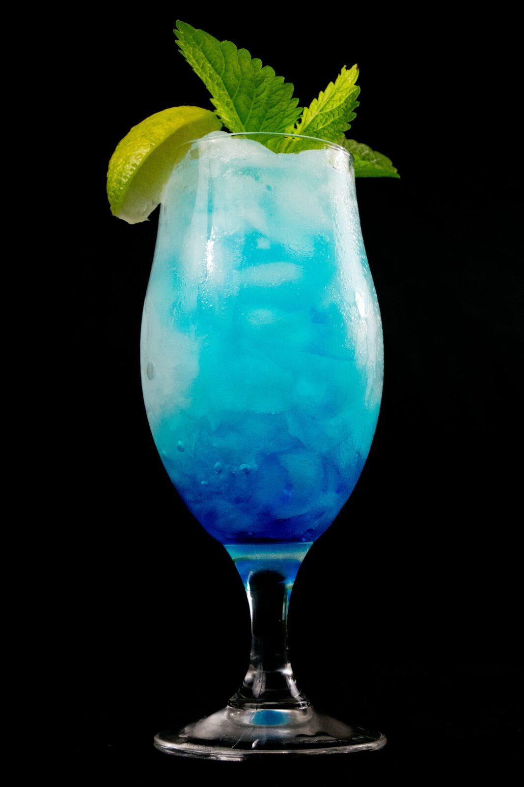 Błękitna laguna, niebieski drink z wódką